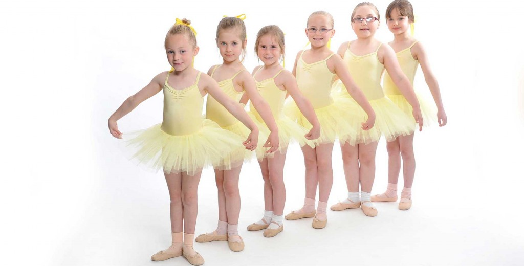 http://www.performingartsschool.co.uk/wp-content/uploads/2013/12/nBallet-classic-jnr-slider-1024x520.jpg